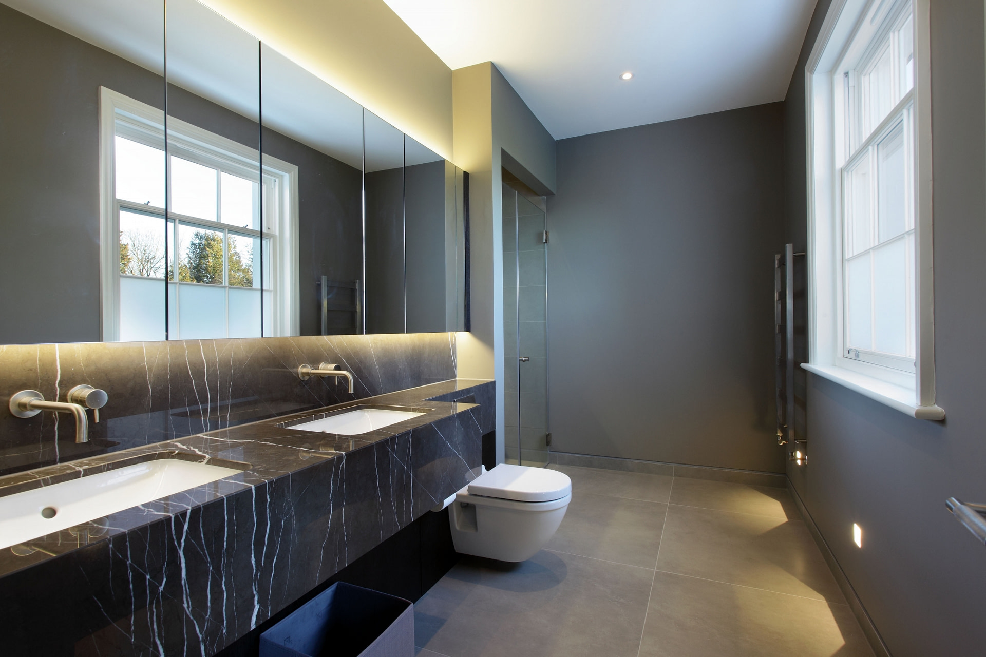 31 Holmewood Ridge bathroom