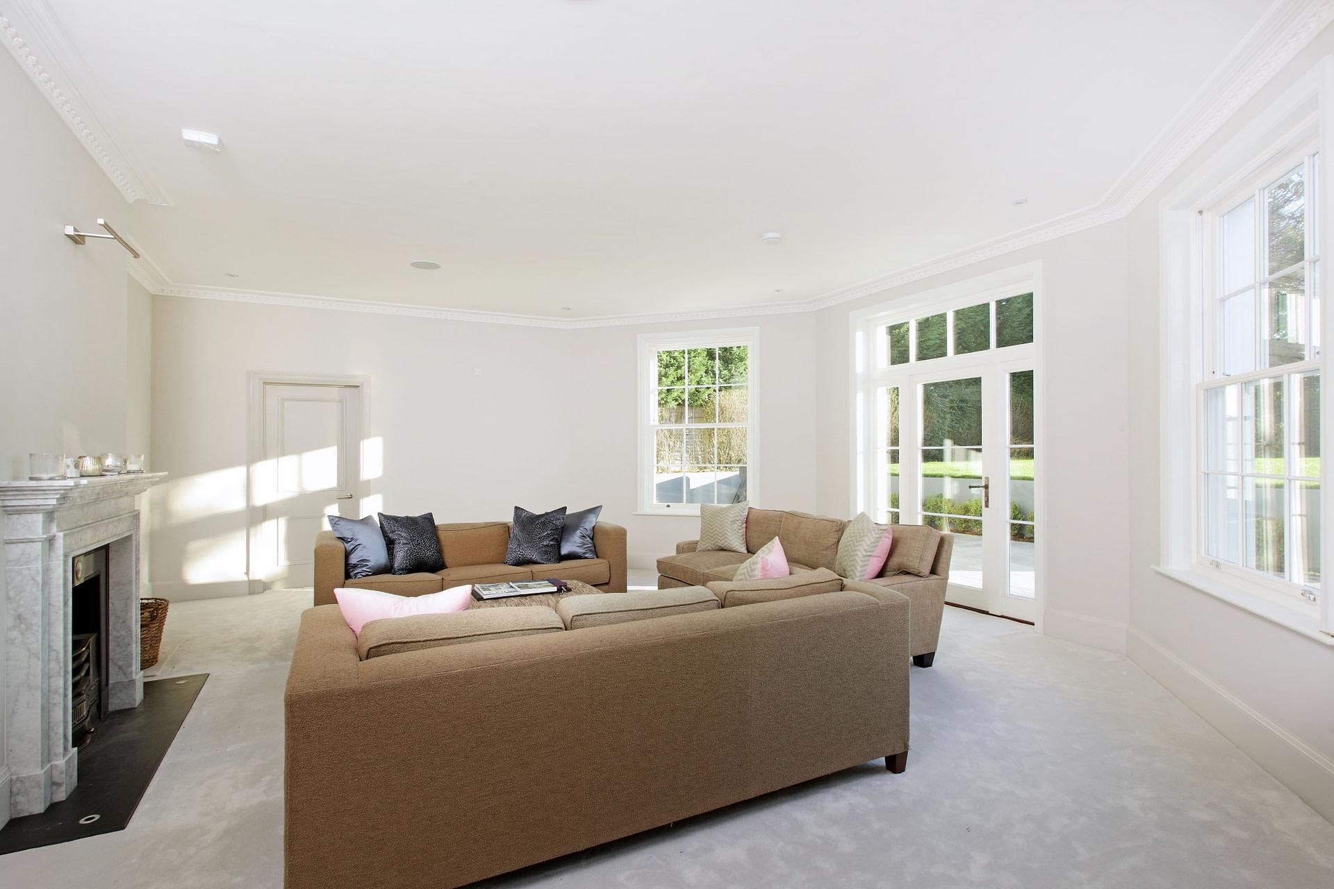 31 Holmewood Ridge lounge