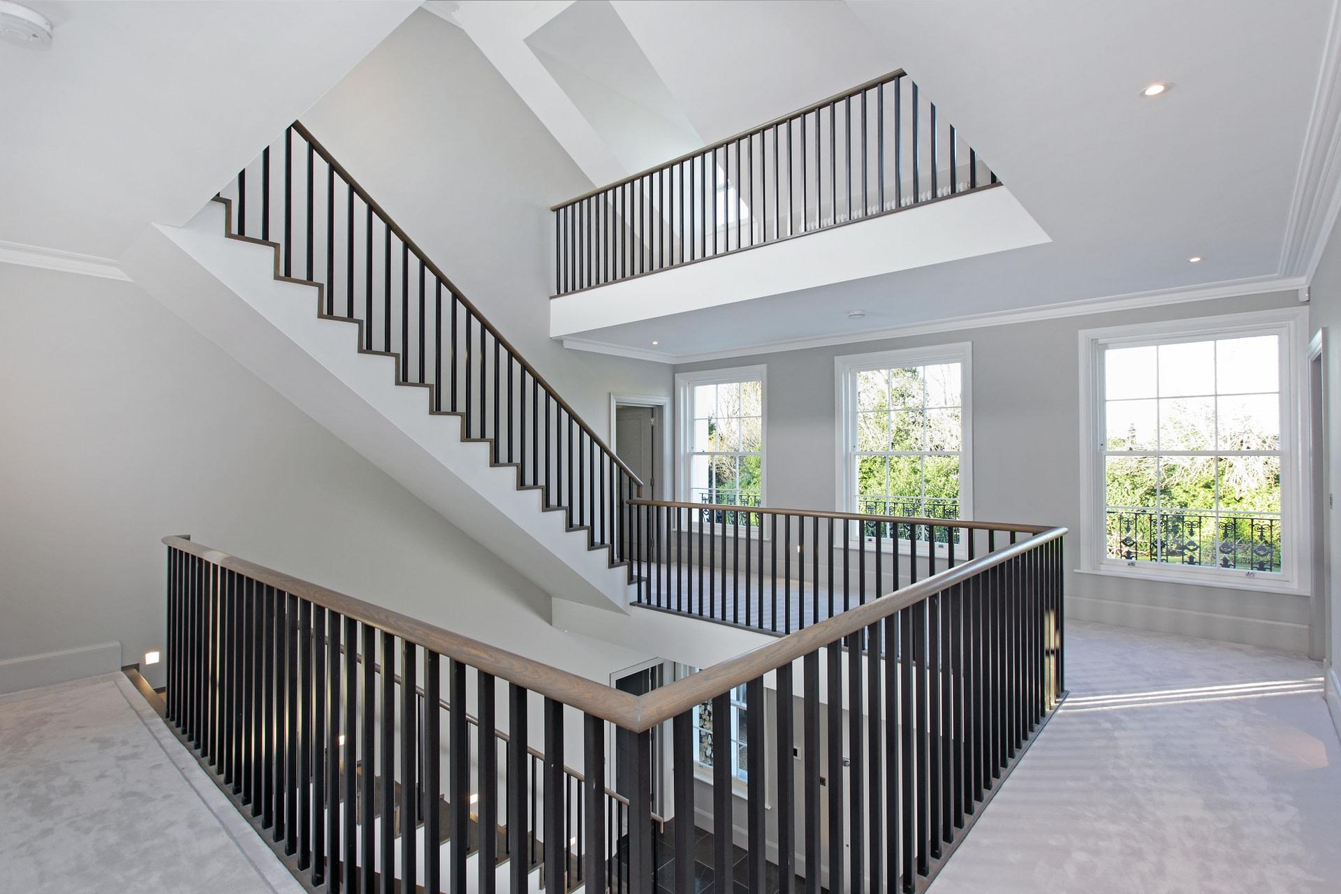 31 Holmewood Ridge staircase